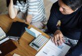 Ex-partenaire endetté : dois-je payer avec lui ?