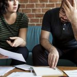 Partenaire endetté, conséquences de la cohabitation ?